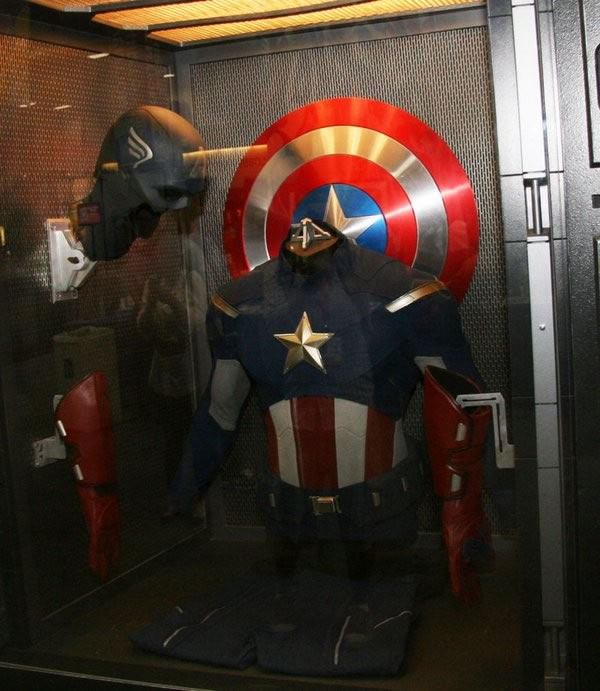 Captain America Suit in Comic Con 2012