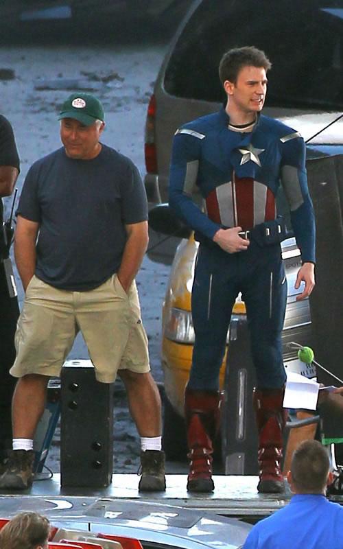 The Avengers - Fotos do Set - Capitão América em Cleveland 2