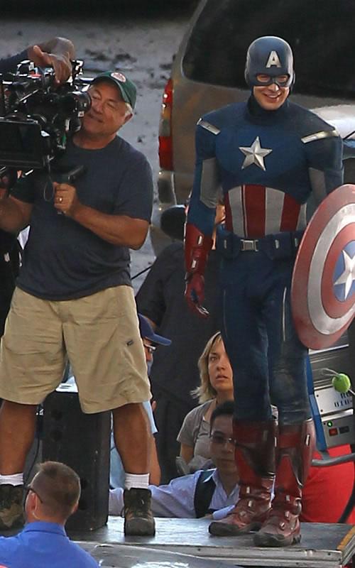 The Avengers - Fotos do Set - Capitão América em Cleveland 3