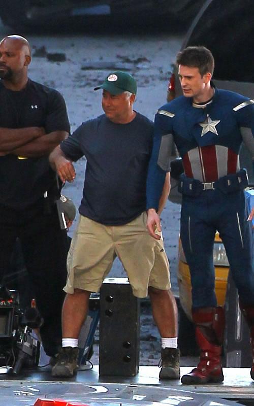 The Avengers - Fotos do Set - Capitão América em Cleveland