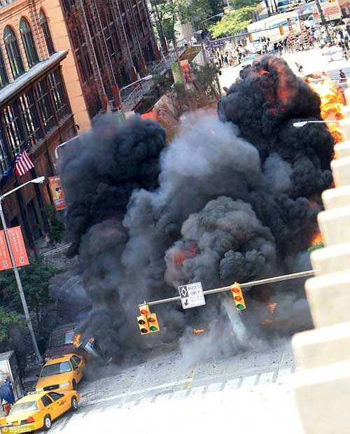 The Avengers - Fotos no Set - Smoke on Street on Cleveland