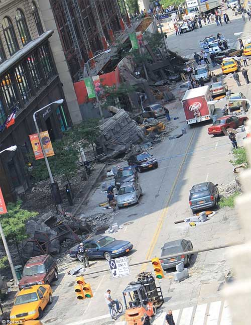 The Avengers - Fotos no Set - Street on Cleveland