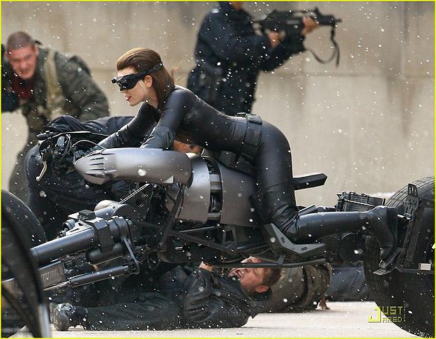 The Dark Knight Rises - Mulher-Gato/Catwoman on Batpod