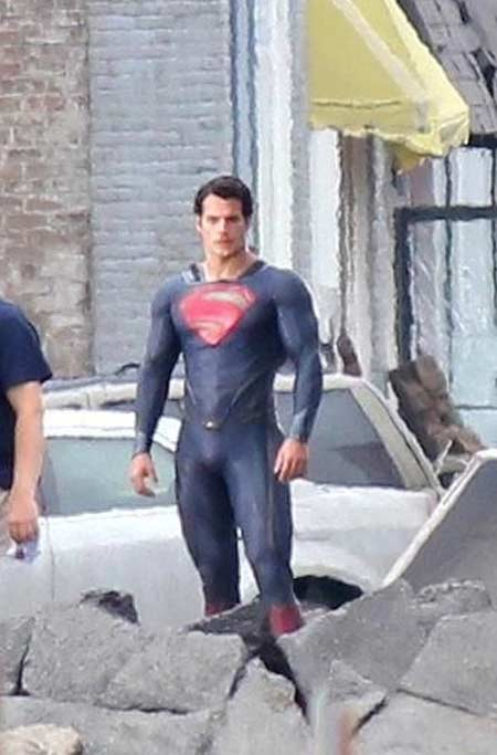 Superman - Man of Steel - Fotos do Set - Superman 01