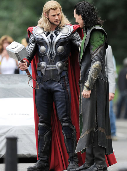 The Avengers (Os Vingadores) - Fotos do Set - Thor e Loki 02