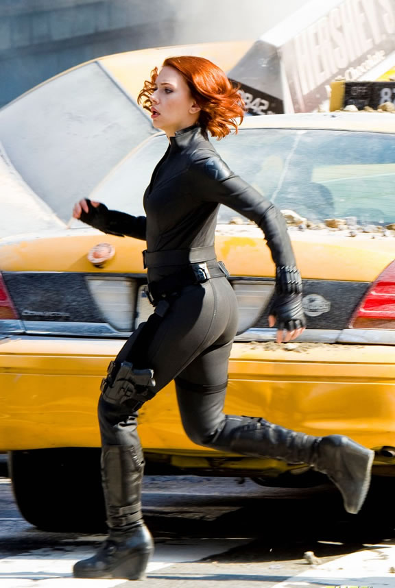 The Avengers (Os Vingadores) - Fotos do Set - Viúva Negra (Black Widow) em Nova York 01