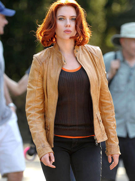 The Avengers (Os Vingadores) - Fotos do Set - Viúva Negra (Scarlett Johansson)
