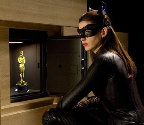 The Dark Knight Rises - Mulher-Gato roubando o Oscar - Só assim