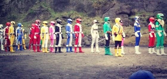 Power Rangers Super Megaforce - Retorno de Rangers Antigos
