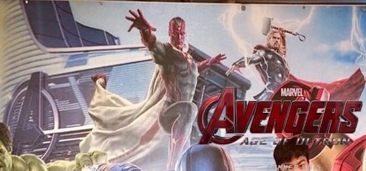 The Avengers - Age of Ultron - Cartaz com Visão e Torre dos Vingadores