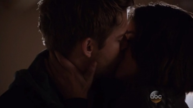 Beijo de Daisy e Lincoln (Marvel´s Agents of Shield - S03E03)
