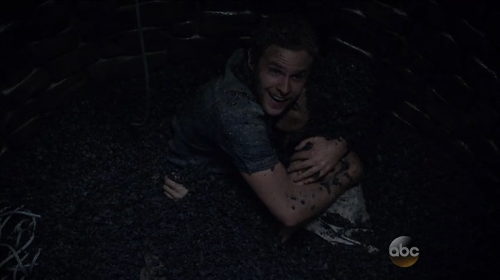 Fitz salva Simmons (Marvel´s Agents of Shield S03E02)