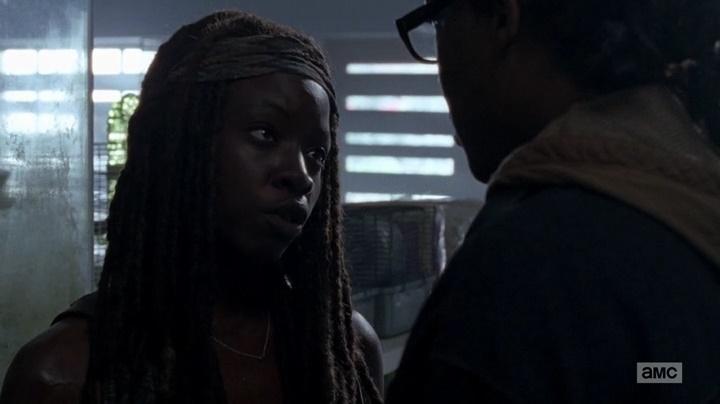 Michonne e Tobin discutindo (The Walking Dead - S06E03)