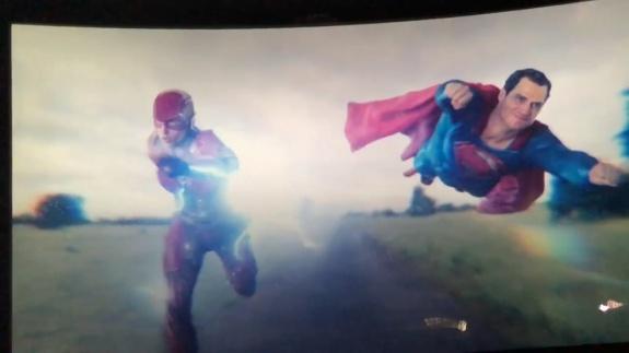 Flash e Superman na Cena Pós-Créditos de Liga da Justiça
