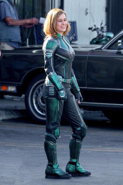 Brie Larson - Capitã Marvel - Uniforme Verde 01