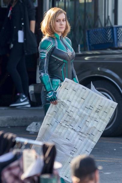 Brie Larson - Capitã Marvel - Uniforme Verde 04