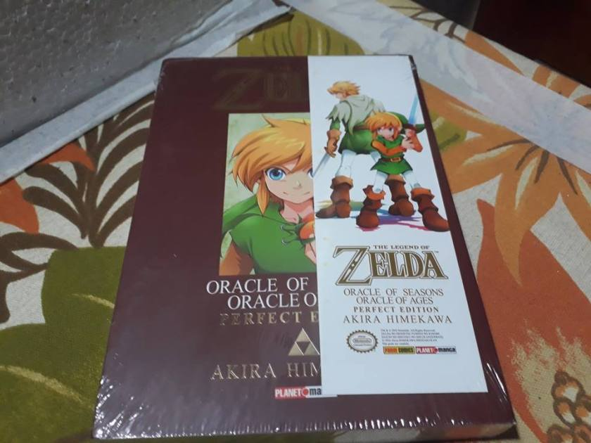 The Legend of Zelda - Oracle of Ages Oracle of Seasons - Perfect Edition em mãos